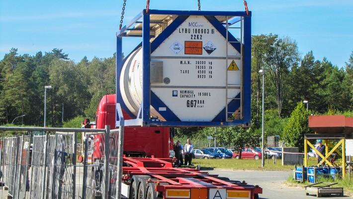 Figura 6. Arrivo di un contenitore di armi chimiche libiche all'impianto di distruzione della GEKA a Münster.