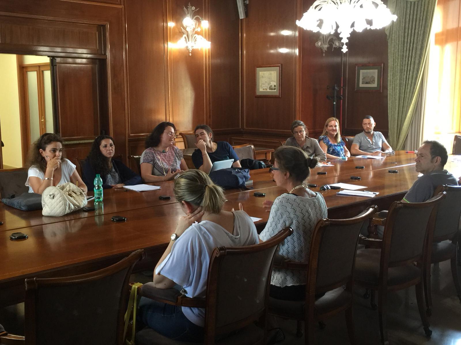 Tavolo Di Ufficio : Primo tavolo di coordinamento di futuro remoto con l università