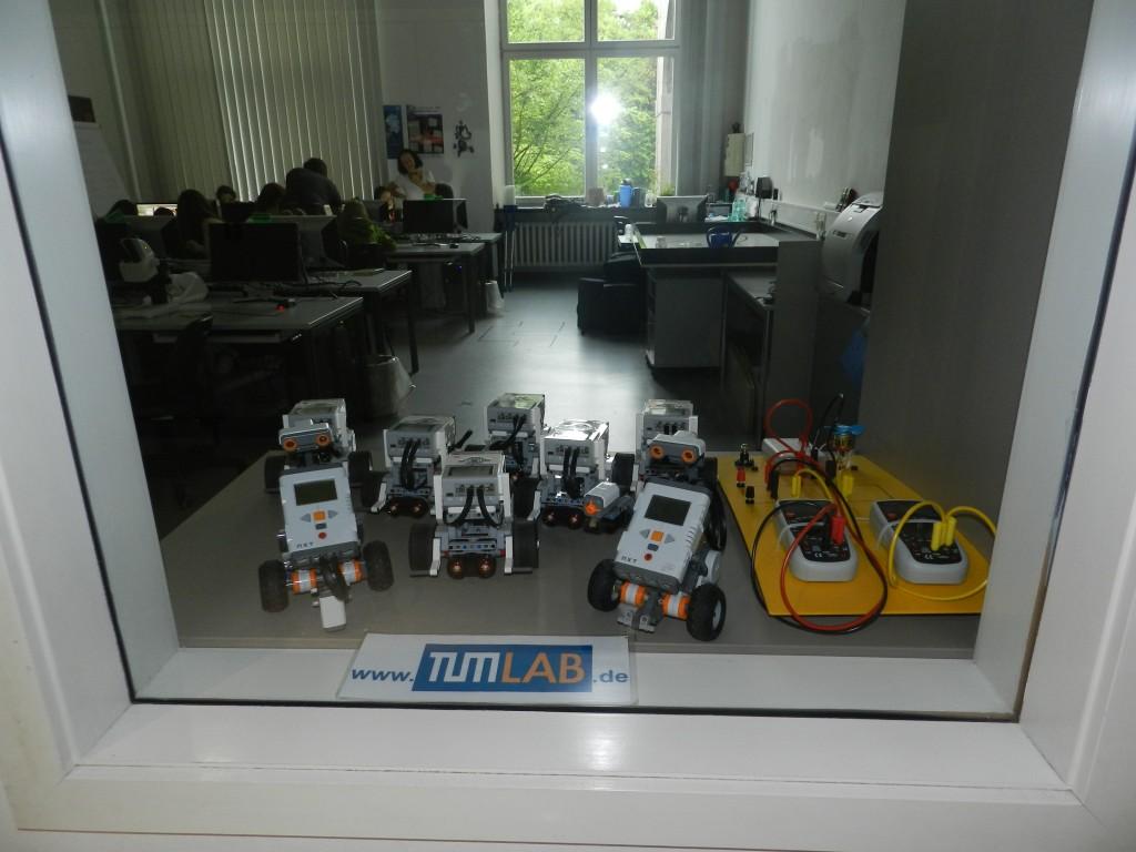 7 robot lab